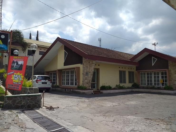 Hotel Wisma Gaya 1-4 Semarang - Facade