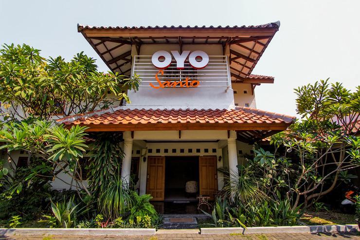 OYO 159 Santo Guest House Surabaya - Facade