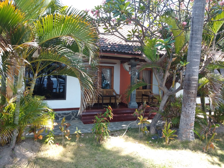 Hotel Tara Bar & Resto Air Sanih Bali - Surroundings