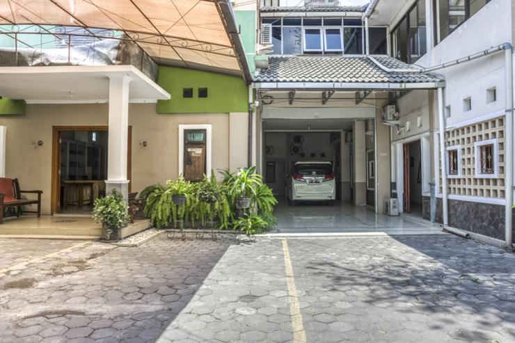 RedDoorz Syariah @ Raya Tajem Maguwo Yogyakarta - Photo