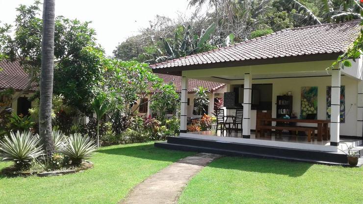 Indah Homestay Senggigi Lombok - Facade
