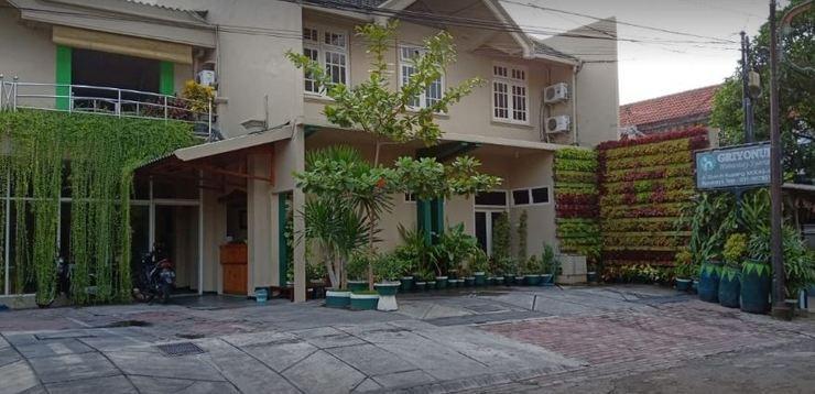 Griyonur Homestay Syariah Surabaya - exterior