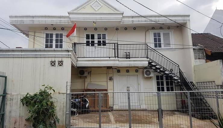 Bintaro Homestay Syariah Tangerang Selatan - Facade