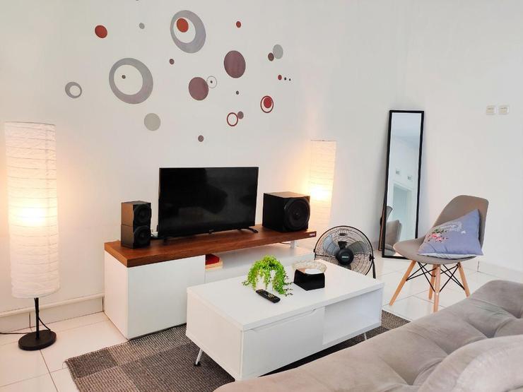 SLEEP HOUSE Homestay Cirebon Cirebon - Living Room