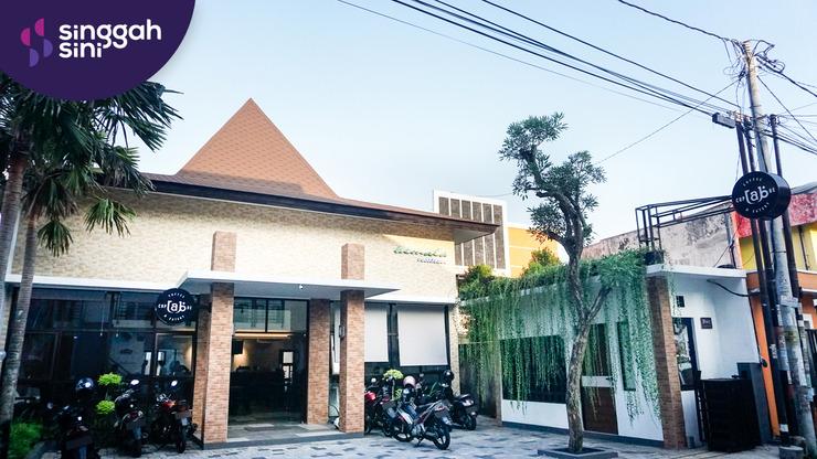 Singgahsini Kemala Residence (Female Only) Yogyakarta - Exterior