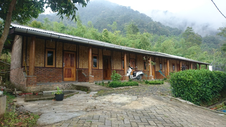 Penginapan Gambo Karo - Exterior