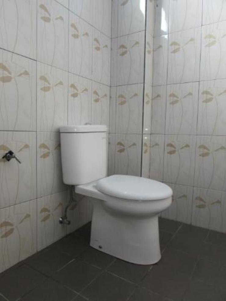 Kasih Sayang Hotel Manggarai Timur - Bathroom
