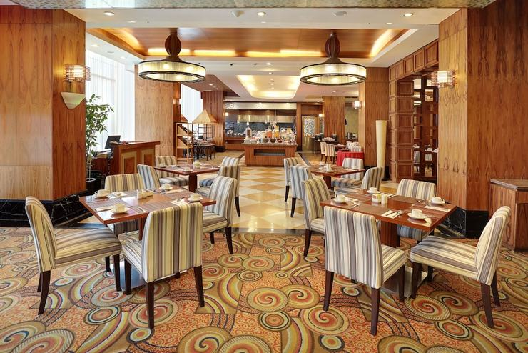Swiss-Belhotel Manado - Breakfast Area
