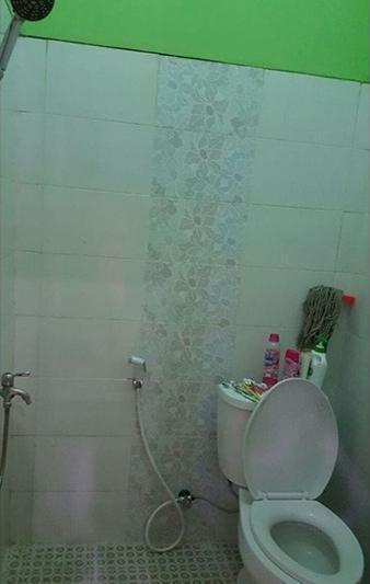 Khansa Homestay Depok - Bathroom