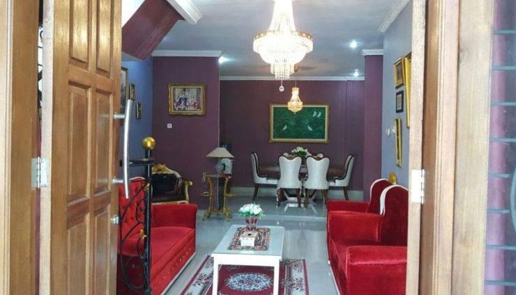 Khansa Homestay Depok - Living room