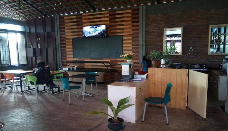 Tulip Guest House Malang - Interior