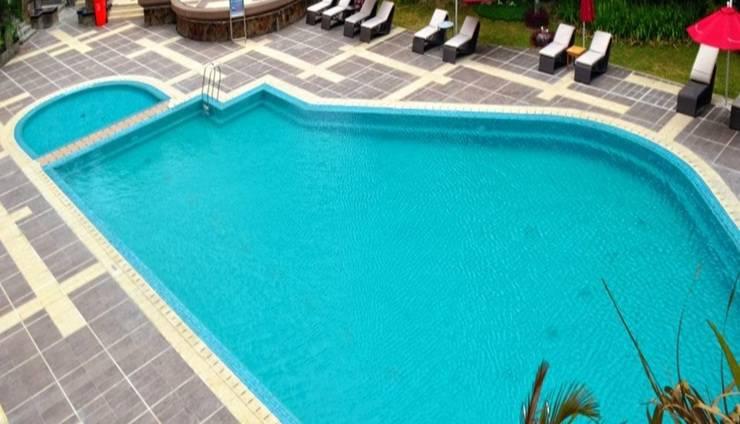 Kyriad Hotel BumiMinang Padang - Kolam Renang