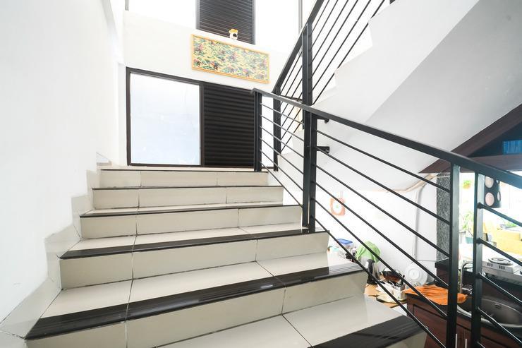 Airy Eco PGC Sukalila Selatan 47 Cirebon - Stairs