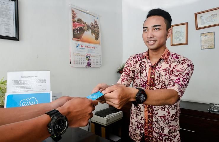 Airy Eco PGC Sukalila Selatan 47 Cirebon - Receptionist