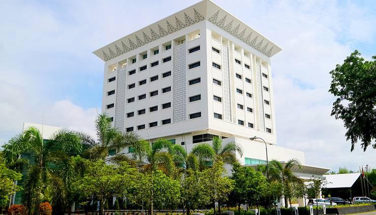 Grand Mahkota Hotel Pontianak - Building