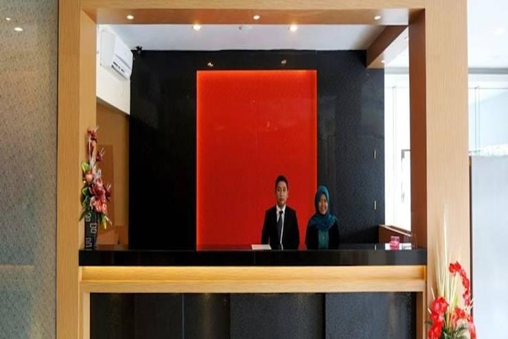 Parma Indah Hotel  Pekanbaru - Resepsionis