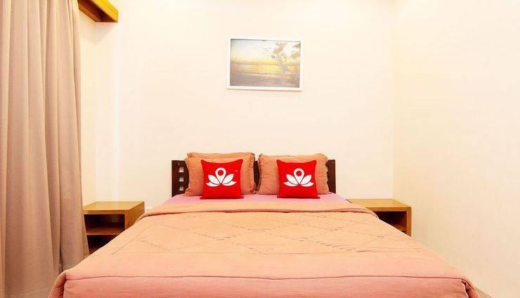 ZenRooms Homey Sanur Bali - Tampak tempat tidur double