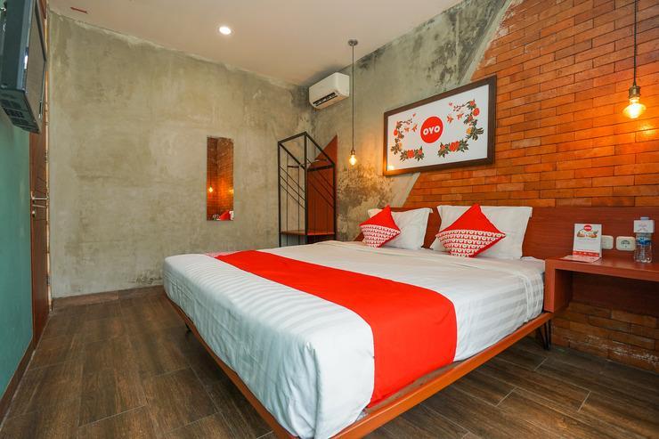 OYO 316 Umada Beds & Lounge Syariah Surabaya - Bedroom