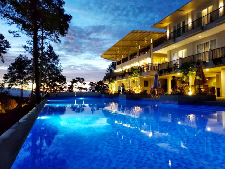 The Balcone Hotel & Resort Bukittinggi Bukittinggi - Infinity Pool