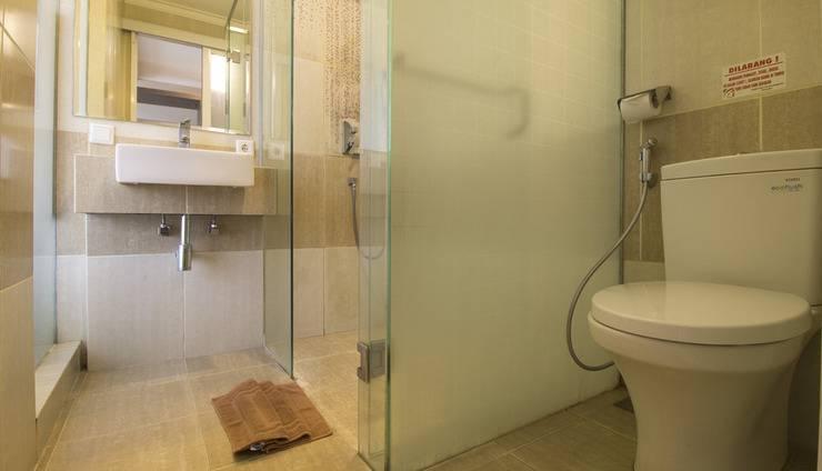 RedDoorz @Cipaganti 2 Bandung - Kamar mandi