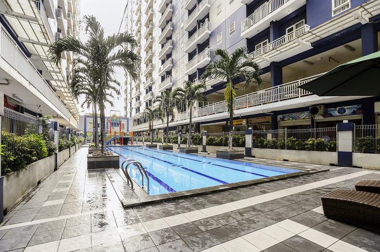 OYO 2103 Lauv Room 2 Grand Centerpoint Bekasi - Swimming Pool