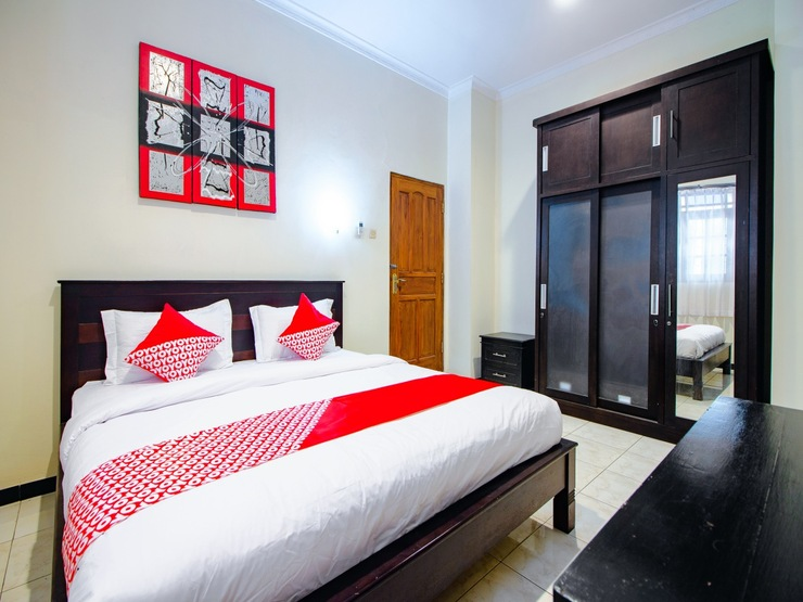 OYO 1650 Griya Joglo Homestay Yogyakarta - Bedroom DL D