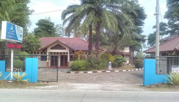 Umbul Tanjung Resort Serang - gerbang depan