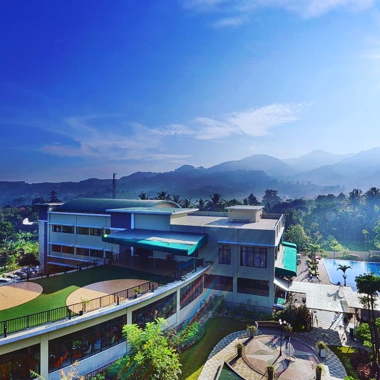 The Green Peak Hotel & Convention Puncak - Building