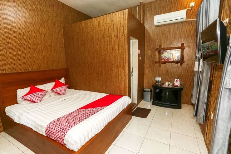 OYO 1230 Kampoeng Osing Syariah Guesthouse Banyuwangi - Bedroom
