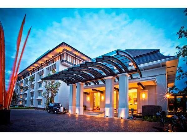 HARRIS Hotel Malang - Exterior