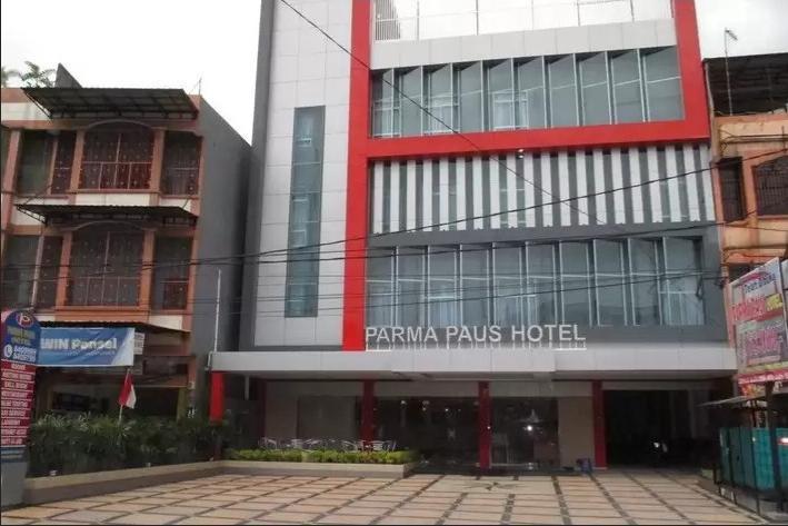 Parma Paus Hotel Pekanbaru - building