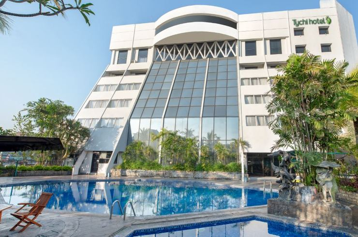 Lux Tychi Hotel Malang Malang - Swimming Pool