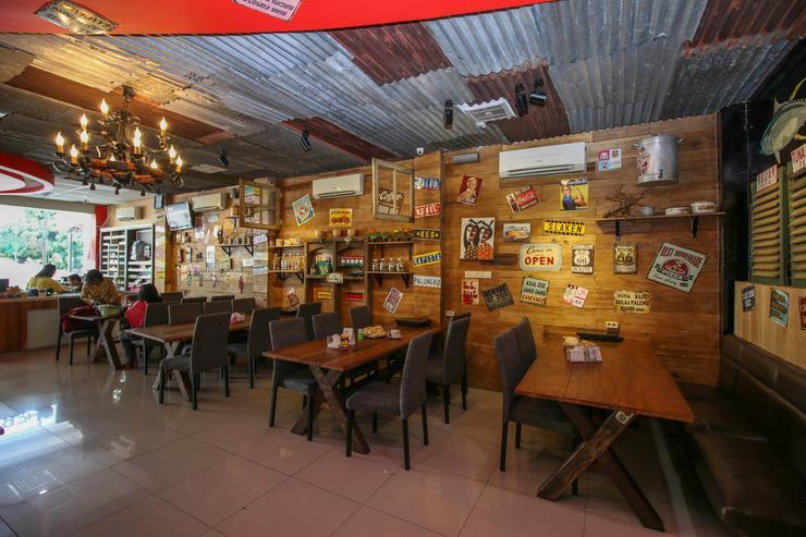 Airy Lapangan Merdeka Ambon Wem Reawaru 7B Ambon - Restaurant