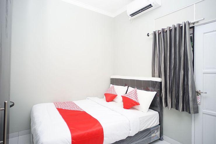 OYO 1007 Alletha Guest House 2 Balikpapan - Bedroom