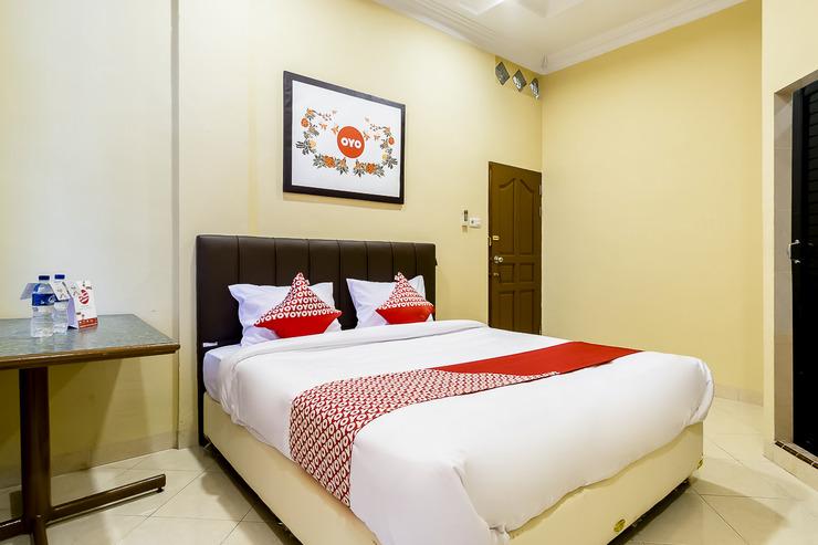 OYO 1307 Star Residence Medan - Bedroom DD