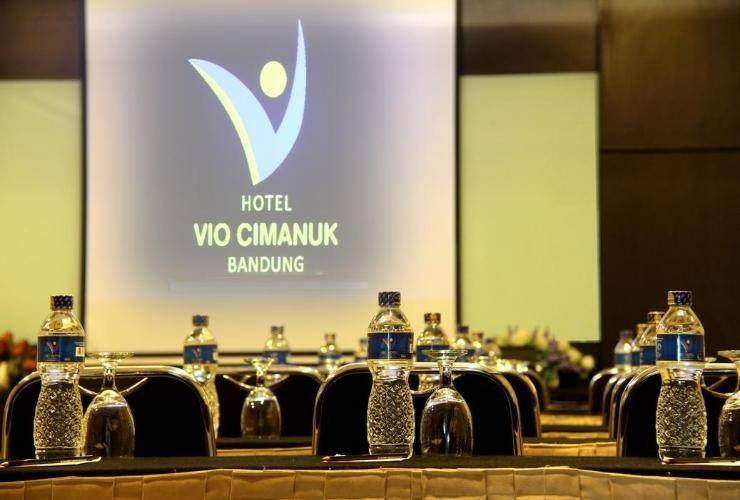 Vio Hotel Cimanuk Bandung - Meeting Room