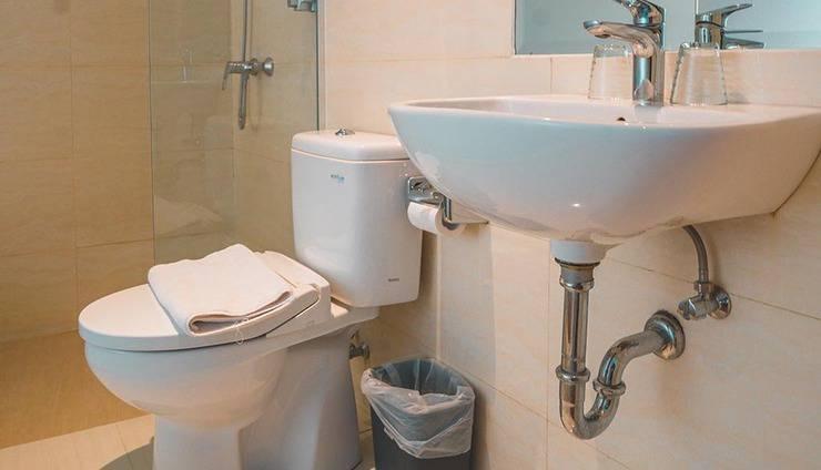 The Batik Hotel Medan - bathroom