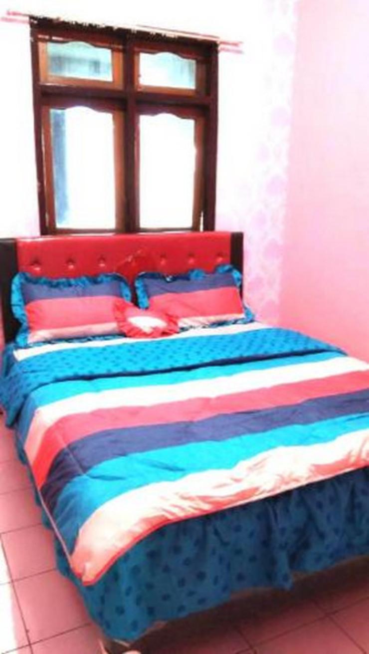 Abee Homestay 1 Malang - Bedroom