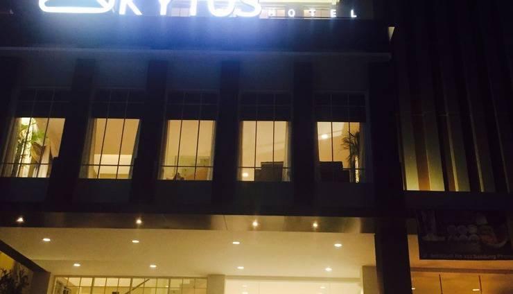 Kytos Hotel Bandung - Front view