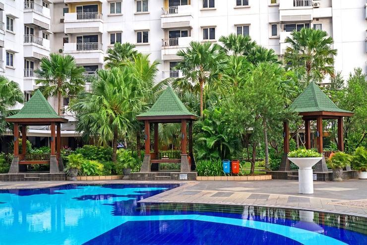 Grand Whiz Poins Square Simatupang - Pool