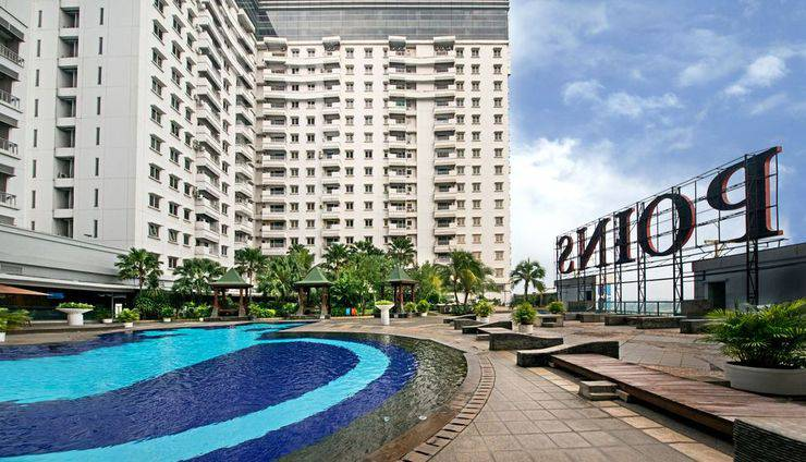 Grand Whiz Poins Square Simatupang - Swimming Pool