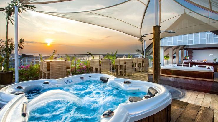 Daun Bali Seminyak Hotel Bali - Outdoor Spa Tub