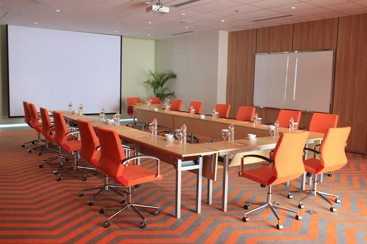HARRIS Hotel & Conventions Solo Solo - MEETING ROOM