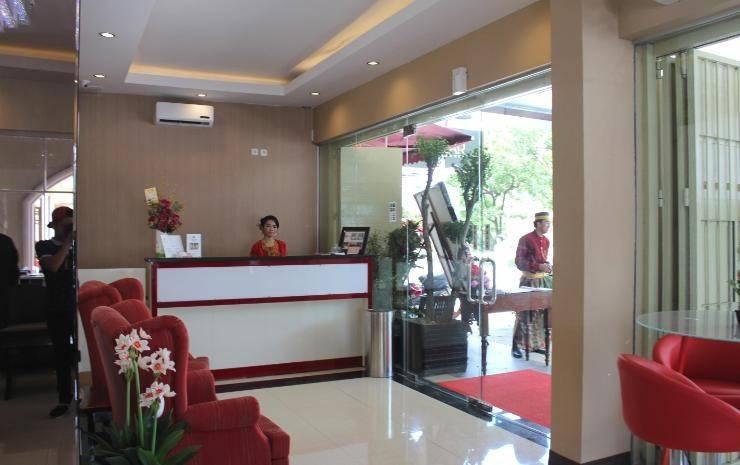 Vindhika Pangayoman Makassar - Receptionist