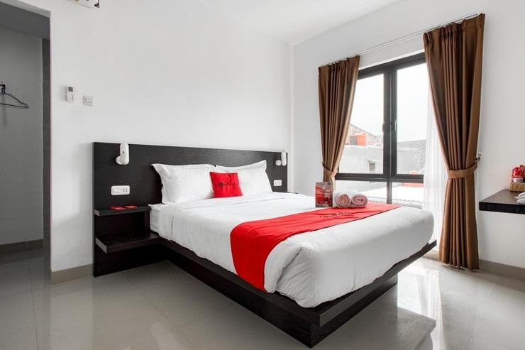 RedDoorz Plus near Season City Mall 2 Jakarta - Photo