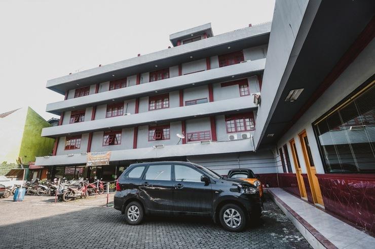 RedDoorz Plus near RSCM Jakarta Jakarta - Exterior