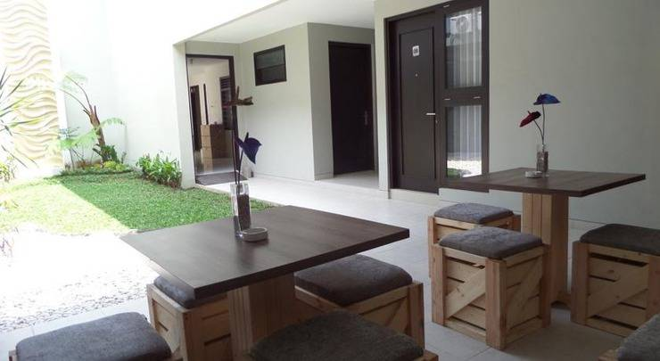Shinta Guest House Malang - Interior