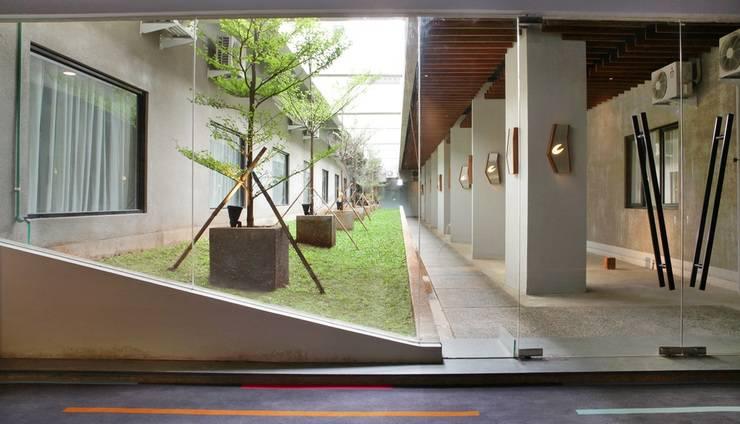 Cabin Hotel Jakarta - Patio