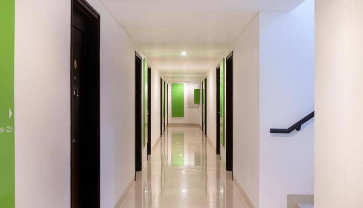 Amaris Cimanuk - Corridor