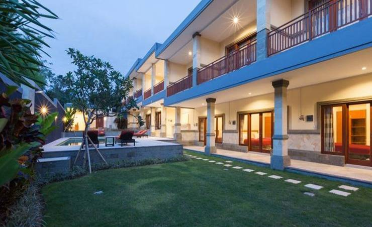 Kubu Petitenget Seminyak Bali - Ooutdoor Pool